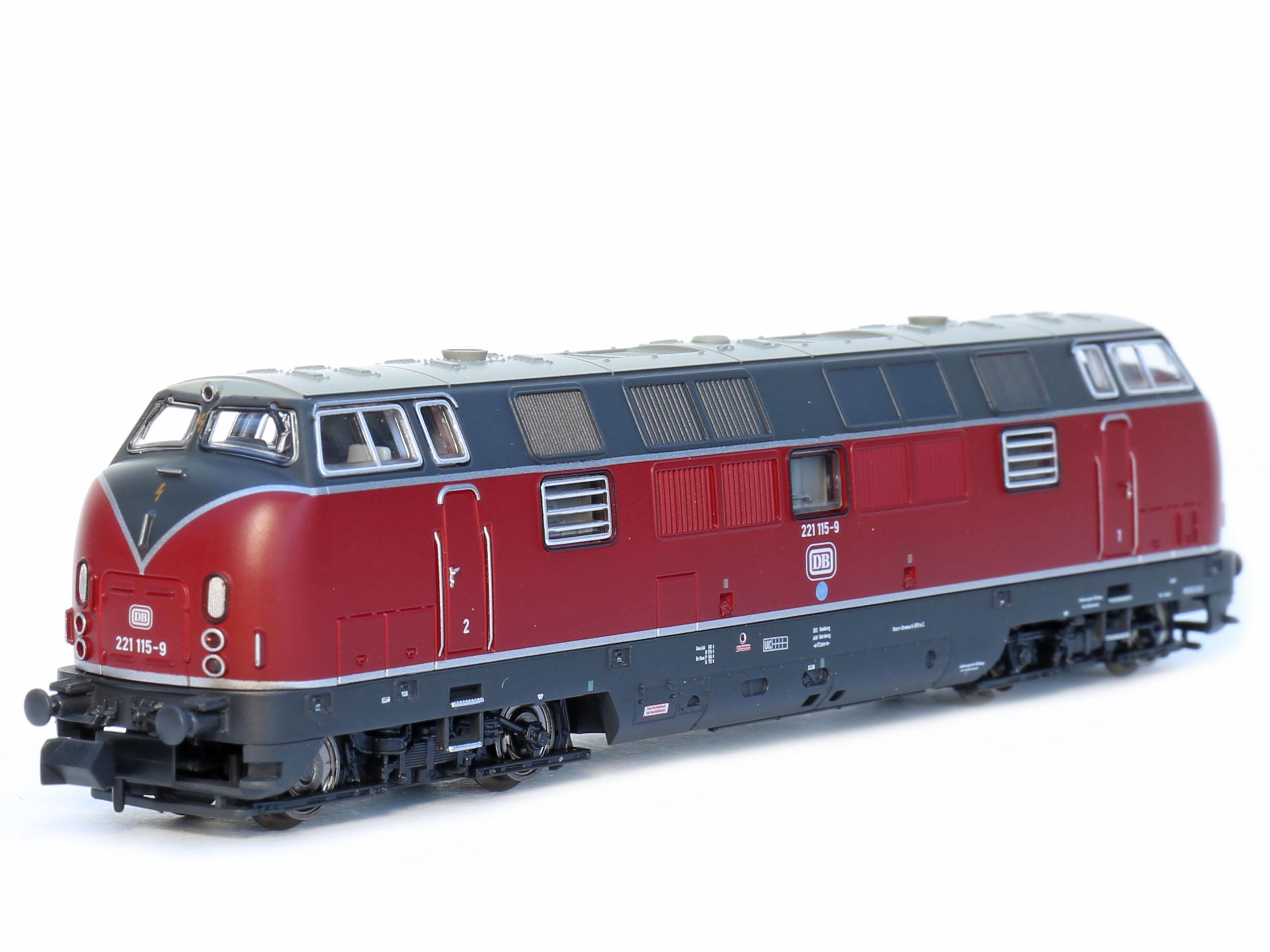 Epoche IV PIKO 40500 Diesellok BR 221 der DB Spur N